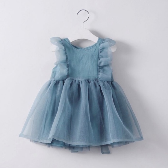 Girls organza dress - size 5 years